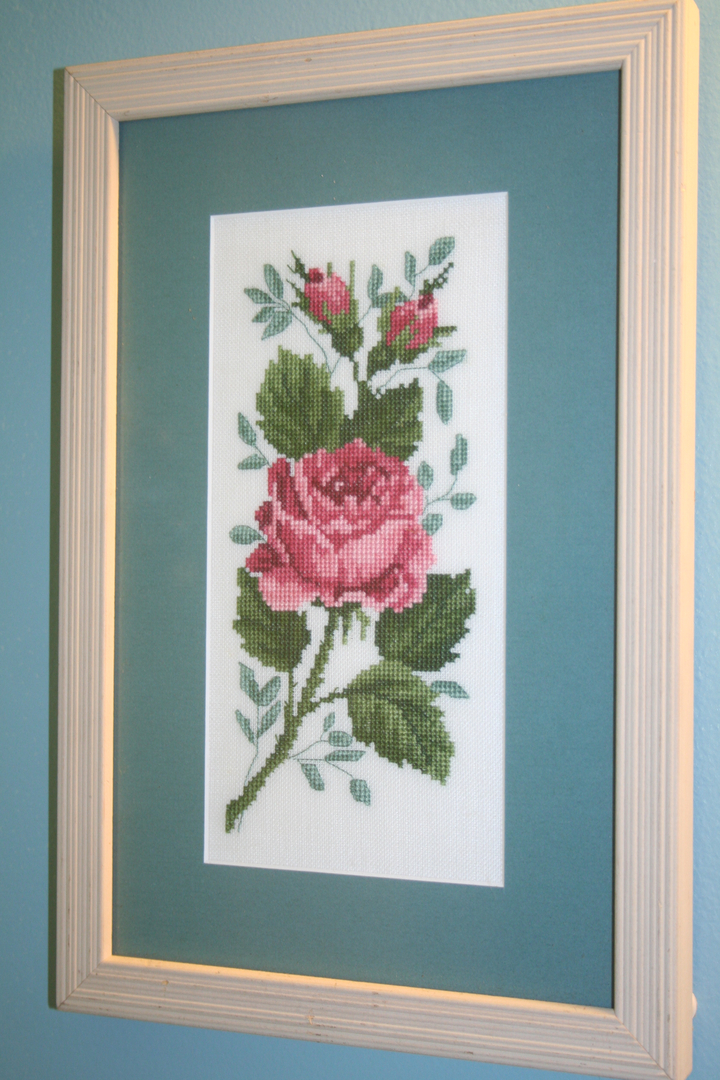 Embroidered Roses Image